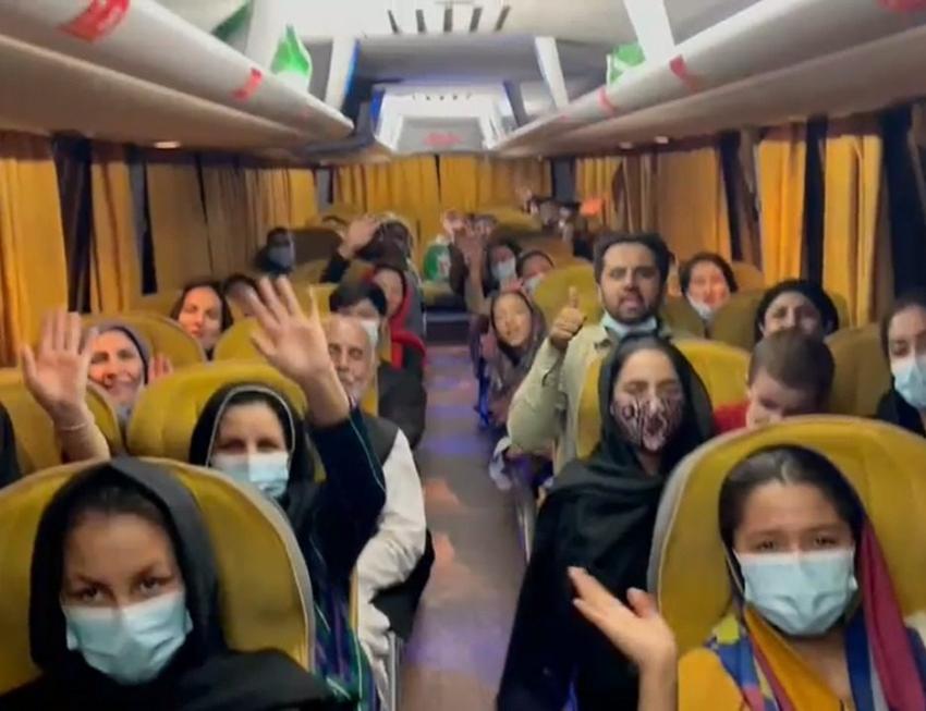 IsraAID logra sacar a más de 40 mujeres de Afganistán con ayuda canadiense, tayika y emiratí