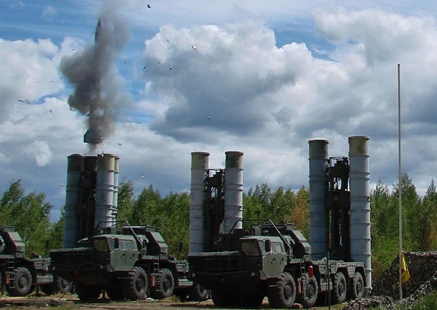Reporte: Rusia transfirió a Siria tres batallones de misiles S-300.