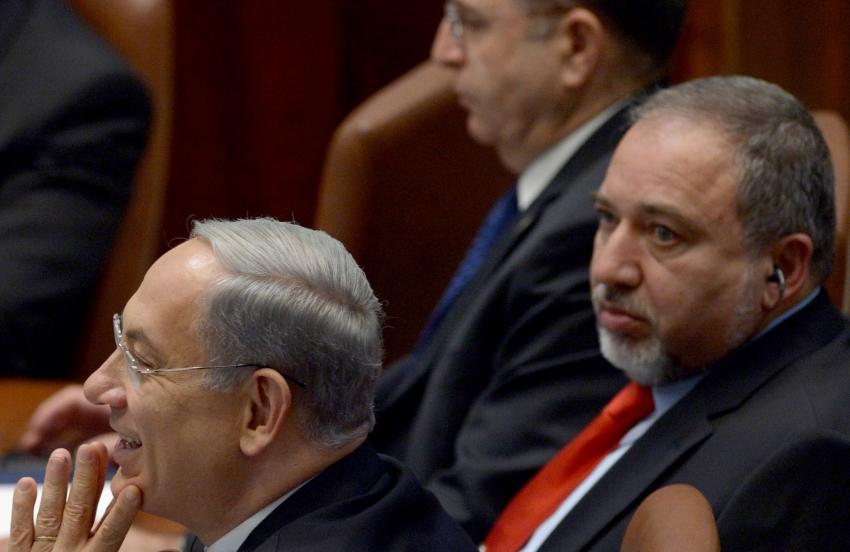 El ministro de Defensa, Avigdor Liberman, renuncia a su cargo tras el cese al fuego con Hamás.