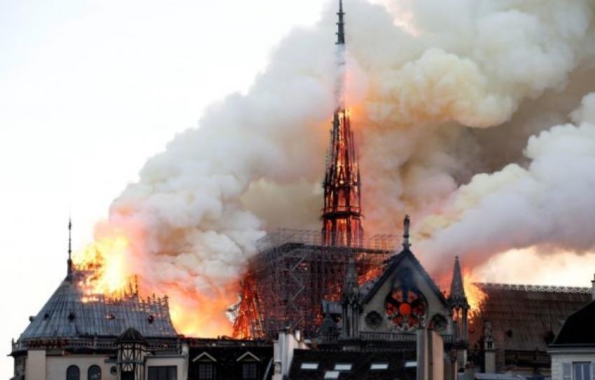Israel se solidariza con Francia mientras Notre Dame se ve envuelta por las llamas