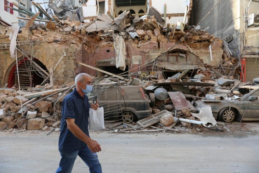 Más de 100 desaparecidos y miles de personas sin casa tras la explosión en Beirut