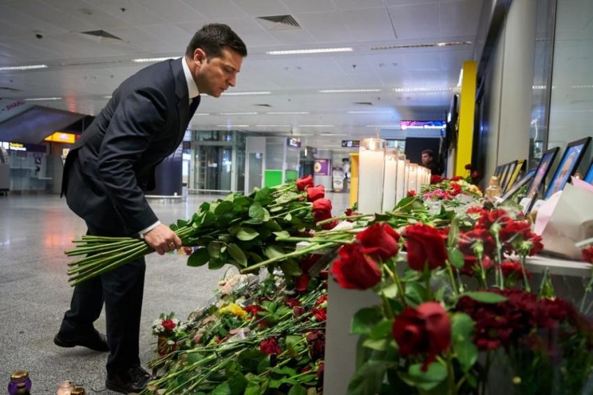 Zelensky pide justicia e indemnización por el avión ucraniano derribado por Irán