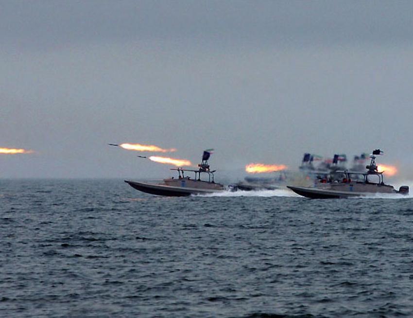 Irán ataca una nave israelí cerca de las costas de Emiratos