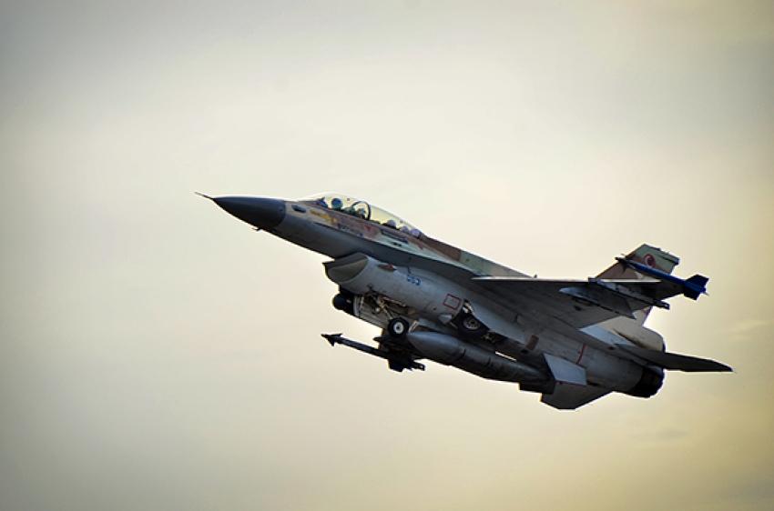 Israel ataca posiciones de Hamás en respuesta al disparo de un cohete